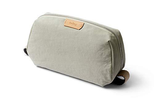 Bellroy Dopp Kit, borsa da viaggio per articoli per la persona in tessuto resistente all'acqua (articoli per la persona, profumo, accessori da barba, spazzola per capelli, spazzolino da denti) - Lunar
