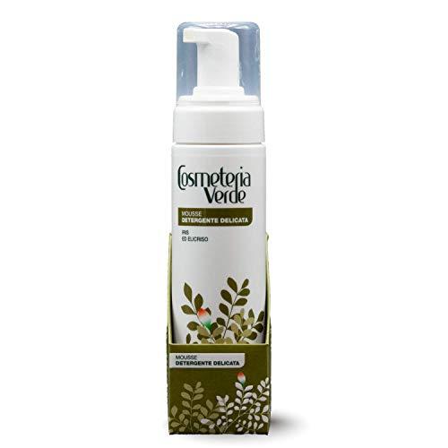 Mousse Detergente Delicata Cosmeteria Verde - Grazie ai suoi componenti botanici, Iris Florentina ed Helichrysum Italicum, è il prodotto ideale per pulire, lenire e idratare le pelli sensibili.