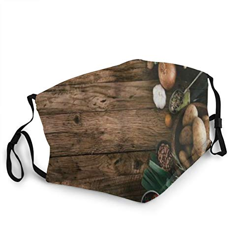 Bandana riutilizzabile a mezza faccia,Raccogliere Varie Verdure Sul Tavolo In Legno Rustico Cipolle Patate Zucchine Pomodorini,Coprivaso sportivo regolabile
