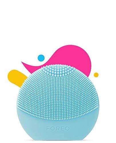 FOREO LUNA play plus, Spazzola pulizia viso impermeabile con batteria sostituibile, Azzurro (Mint)