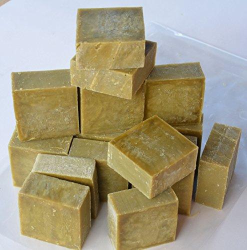 Set di 16-18 saponi di Marsiglia grezzi, purissimi, all'olio d'oliva. Saponette da 80-100 g, Peso totale minimo 1,4 kg