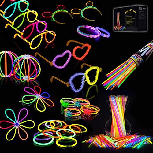 IREGRO Glow Sticks, 100 PCS 8'' Bagliore colorato bastoni Bulk e 132 connettori per Collana Bagliore, Palle di Fiori, Bicchieri Luminosi e Triple/Farfalla di bracciali(100 PCS)